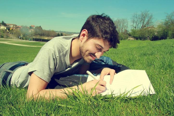 Leandro de Carvalho scrivere al parco